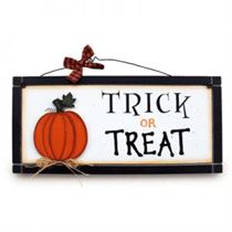 Trick or Treat - Halloween Plaque