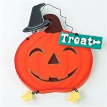 Hanging Treat - Halloween Hanging Sign